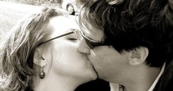 suudelma_suukko_seksi_mies_nainen_rakkaus_intohimo_