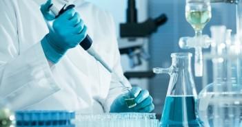 testaus_testi_lääkäri_verikoe_laboratorio_veri_pexels_kemia